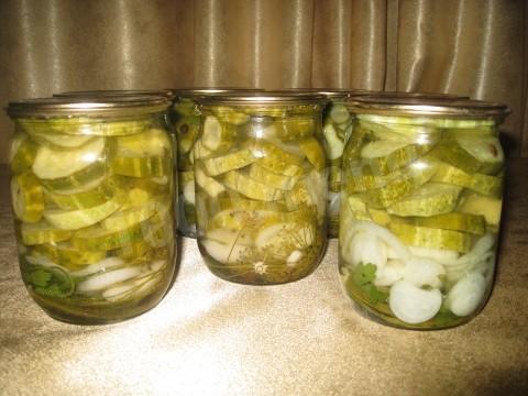 Самый вкусный консервированный салат из огурцов