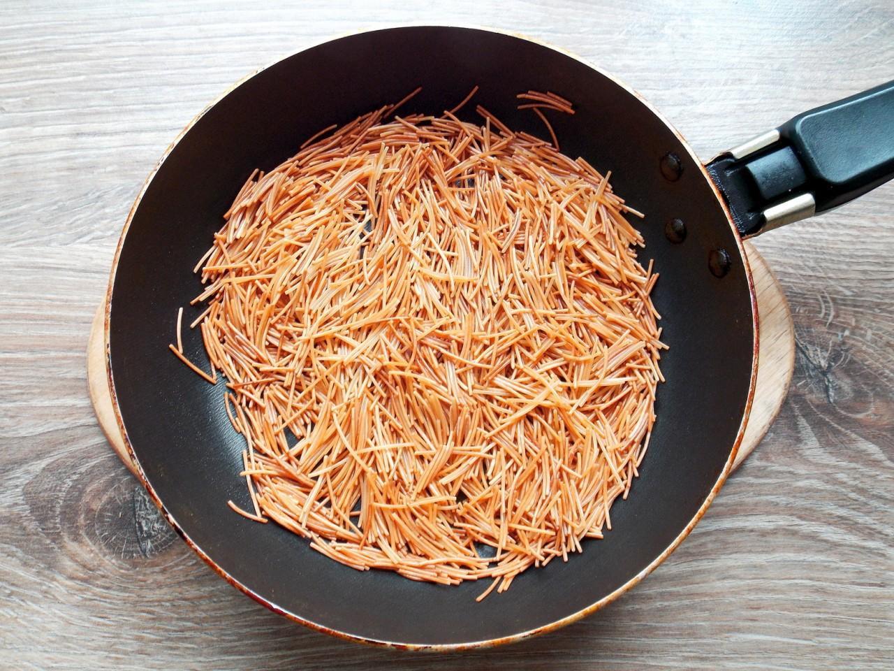 жареная вермишель на сковороде рецепт с фото интерьер двухместного