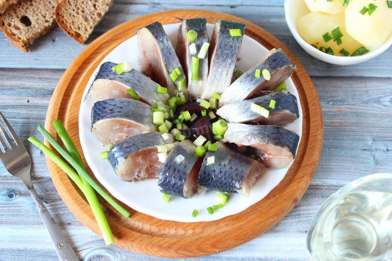 настройками блюда из сельди соленой фото нарезать длинными