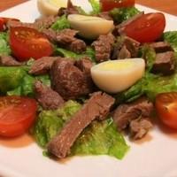 Салат под водочку с говядиной и солеными огурцами