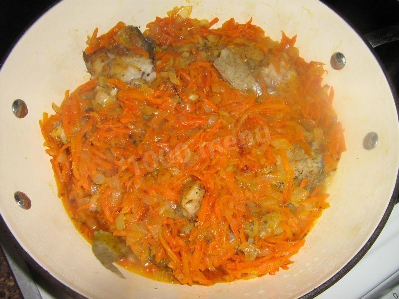 Карп тушеная с овощами рецепт с фото