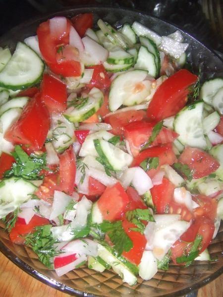 салат летний рецепт огурцы и помидоры