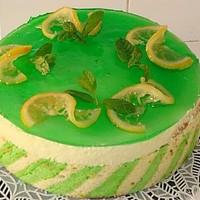 Лимонно-мятный торт с малиновой прослойкой