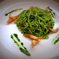 Лапша в зелёном шпинатном соусе