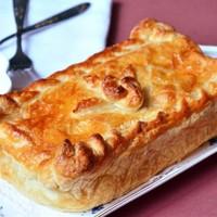 Пирог с лососем на слоеном тесте