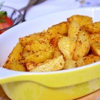 Картофель запеченный с чесноком в духовке