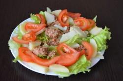 Классический салат Нисуаз с тунцом