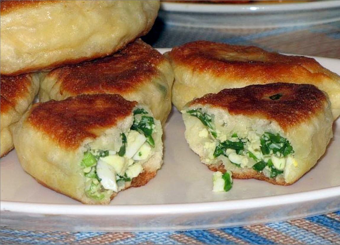 Пирожки с луком яйцом