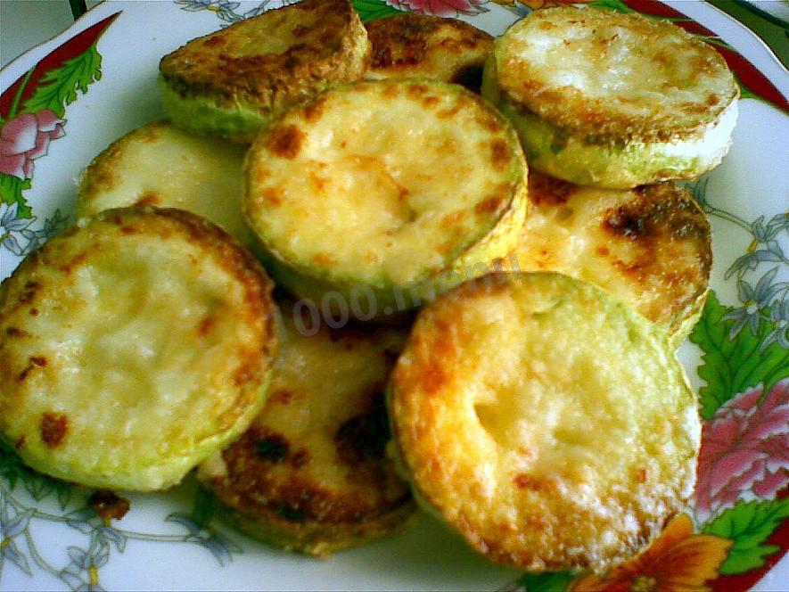 Кабачки жареные на сковороде в муке рецепт с фото пошагово