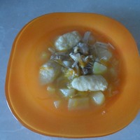 Куриный суп с мучными клёцками