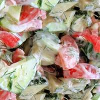 Салат огурцы помидоры с майонезом