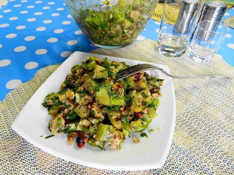 салат из кабачков с грецкими орехами