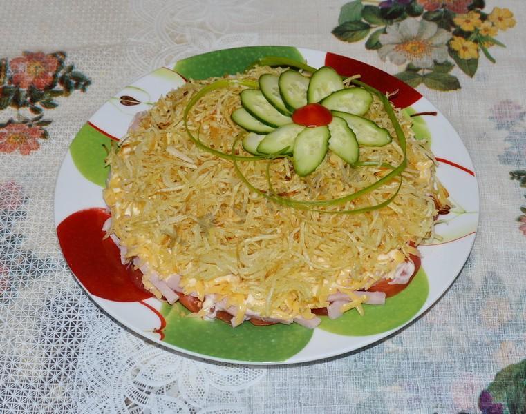 Пицца с ветчиной и сыром - рецепт, фото
