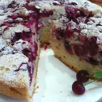Пирог с вишней в мультиварке типа шарлотка
