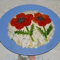 Салат печень трески с огурцами и яйцами