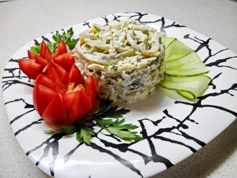 салат из кальмаров с чесноком рецепты по шагово
