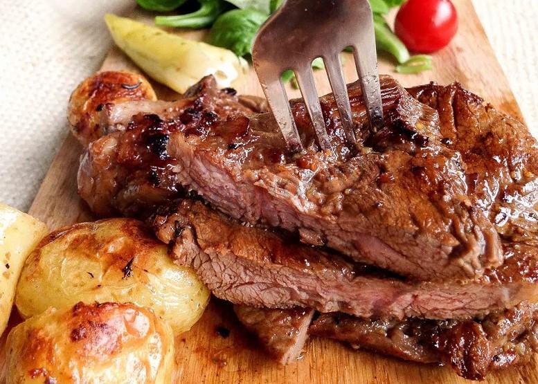 Нежное мясо в духовке