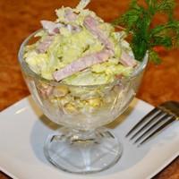 Салат с капустой пекинской и колбасой копченой