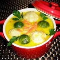 Сырный суп с брюссельской капустой и картофельными клецками