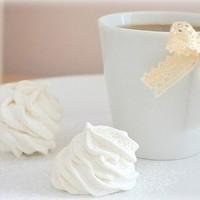 Рецепт лёгкого йогуртового крема для бисквитного торта в 25
