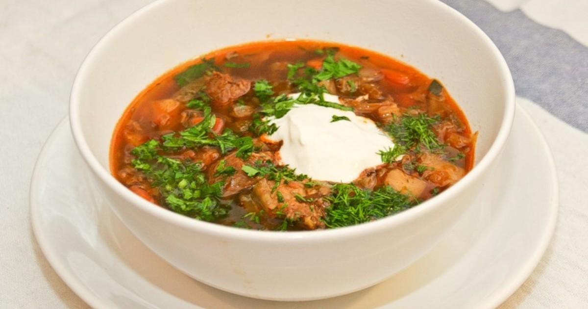 Сон, в котором кто-то из ваших знакомых готовит гороховый суп, является предупреждением: во избежание неприятностей им стоит держать язык за зубами.