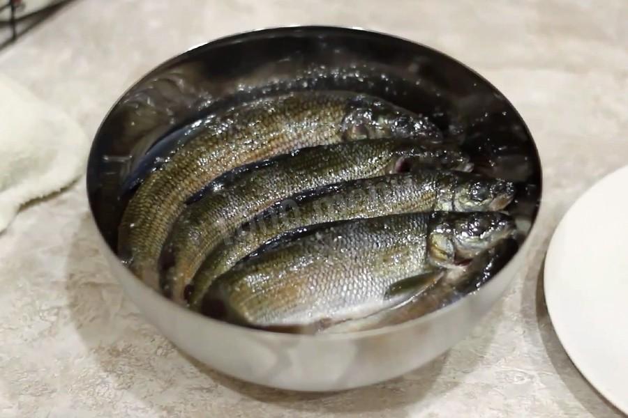 рецепт салат из солёногохариуса