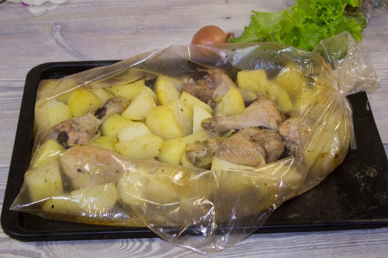 Куриные голени в духовке с картошкой в рукаве рецепт пошагово в