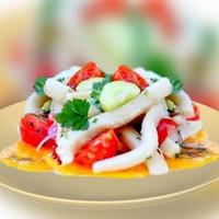 Салат с кальмарами на арахисовом масле