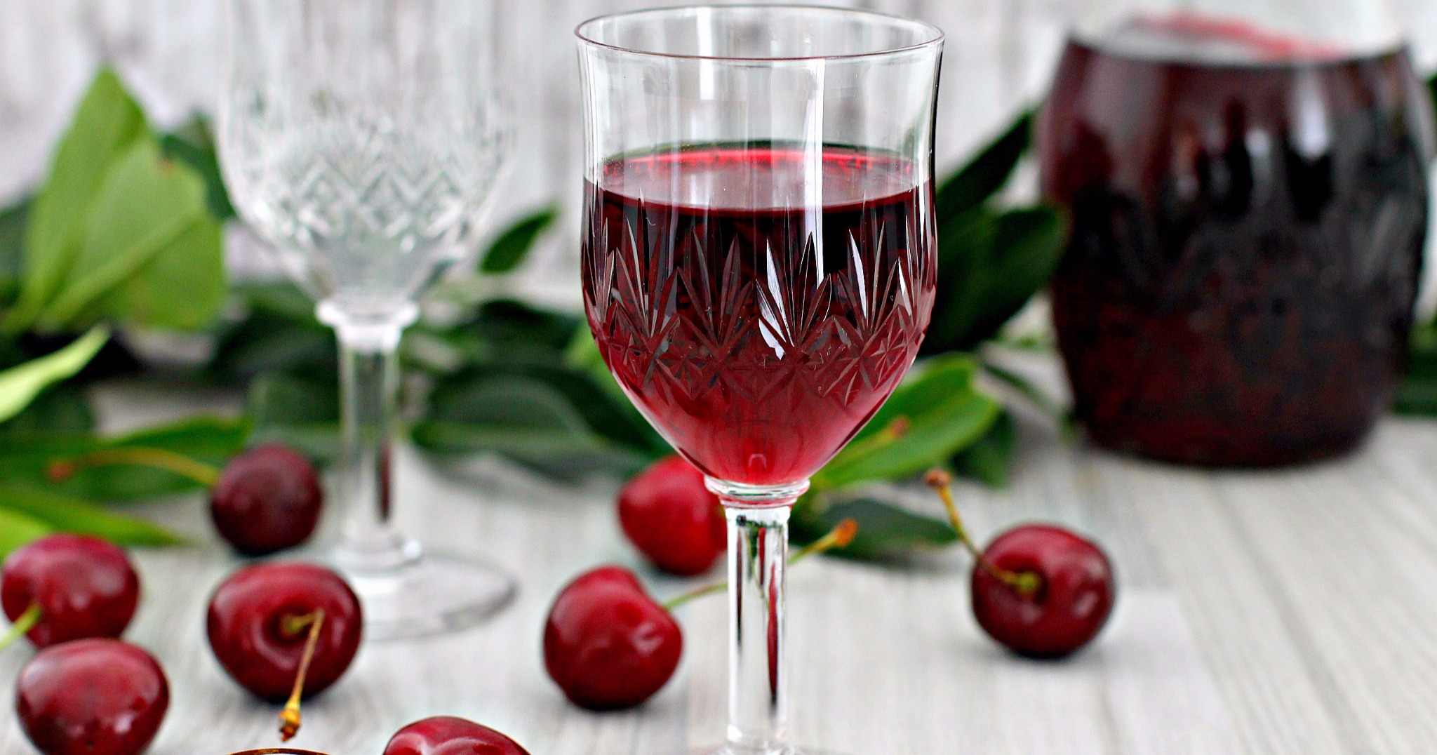 Рецепт настойка из вишни на водке в домашних условиях