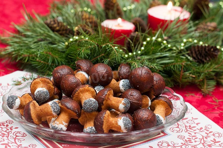 Печенье грибочки в форме на газу