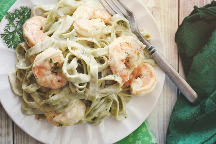 Итальянское блюдо спагетти с морепродуктами