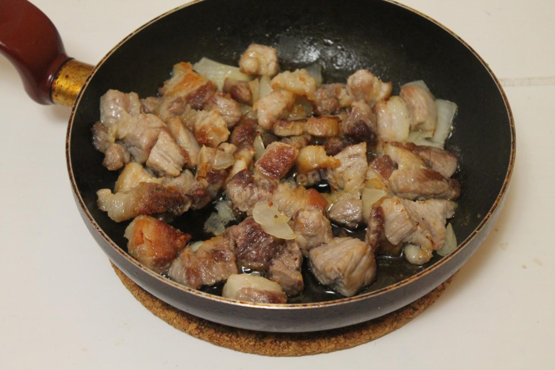 Как пожарить свинину на сковороде пошаговый рецепт