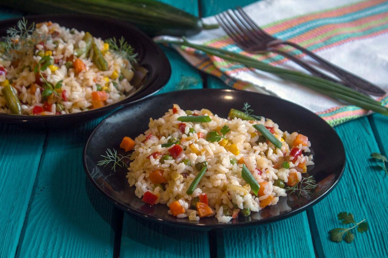 В индии, где рис готовят чуть-ли не каждый день, давно уже изучили все его тонкости и раскрыли все его тайны.