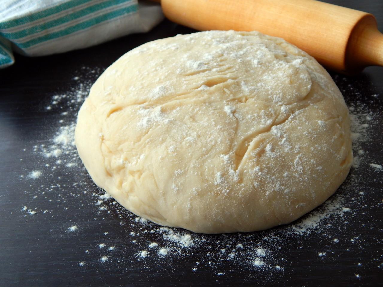 сдобное тесто на живых дрожжах для булочек