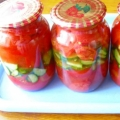 Консервированный салат из помидоров и огурцов на зиму