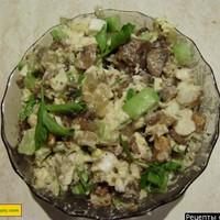 Куриный салат с шампиньонами сыром и зеленым луком
