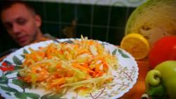 Салат из капусты с уксусно-лимонной заправкой - рецепт пошаговый с фото