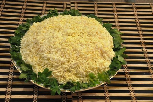 Салат с ананасом и курицей грибами слоеный рецепт с пошагово