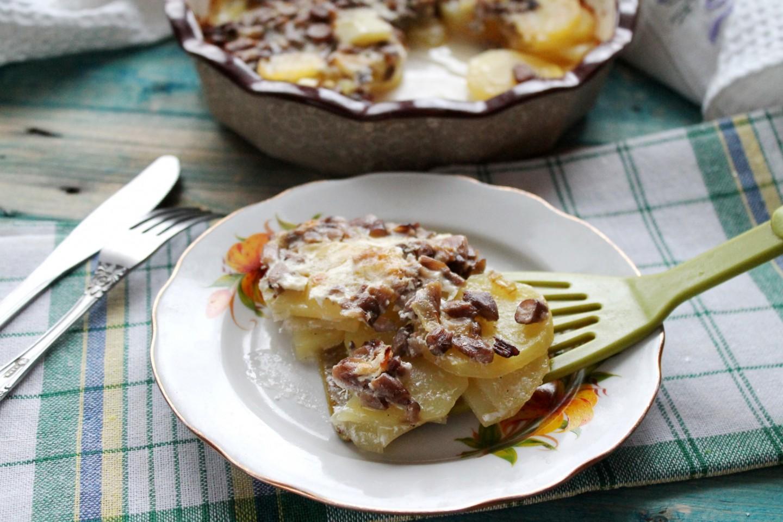 Как приготовить картошку в сметане в духовке