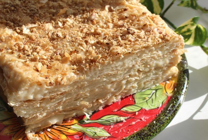Торт из слоеных коржей с фото пошагово