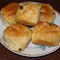 Сладкие дрожжевые булочки в духовке