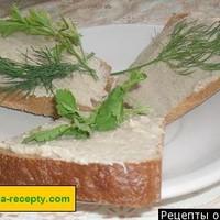 Бутерброд с маслом яйцом и селедкой