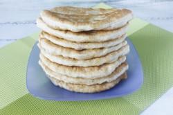 Жареные дрожжевые пирожки на молоке - рецепт пошаговый с фото