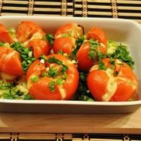 Запеченные помидоры фаршированные сыром в духовке