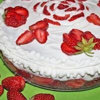 Клубничка торт творожно клубничный