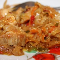 Бигус из свежей капусты с мясом и колбасой
