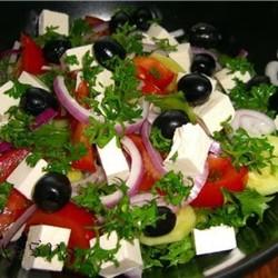 Как правильно хранить салаты.