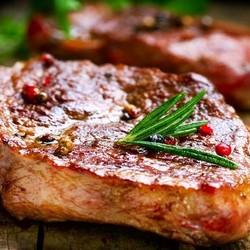 Чтобы мясо не прилипало к сковороде...
