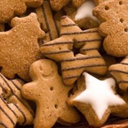 Как убрать подгорелости с печенья?