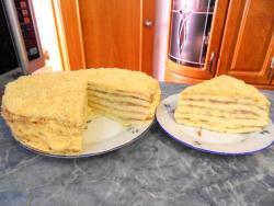 Все, торт Проще простого готов, нужно только дать ему время хорошенько пропитаться.